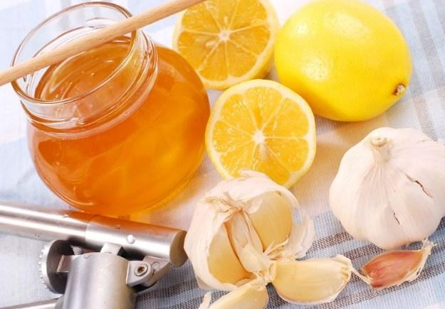 Сочетание лимона, меда и чеснока
