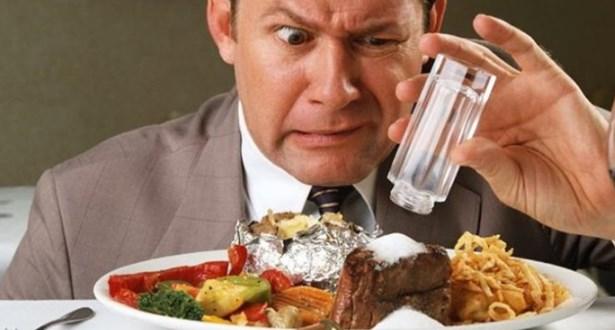 Чрезмерное употребление соли ведет к гипертонии