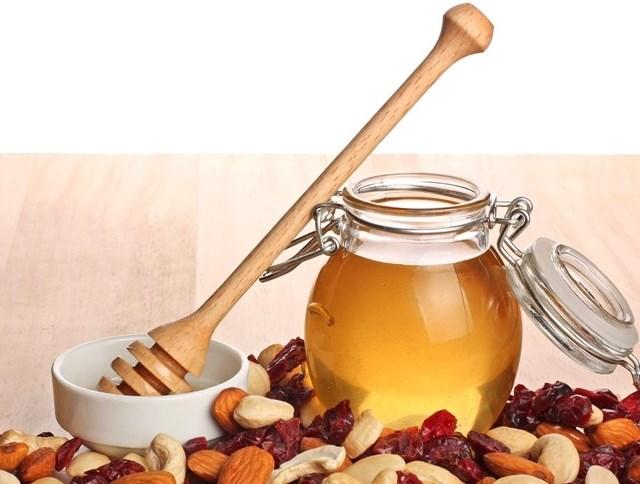Мед с сухофруктами повышает давление