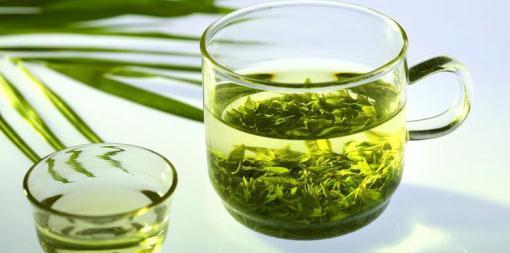 Зелений чай быстро повышает давление