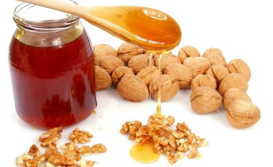 Мед и грецкие орехи повысят пульс