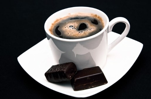 Кофе и горький шоколад повышают пульс